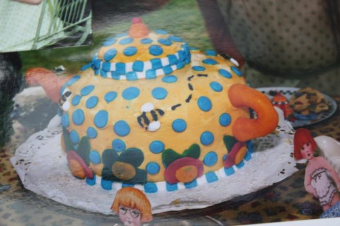Mary tea party cake